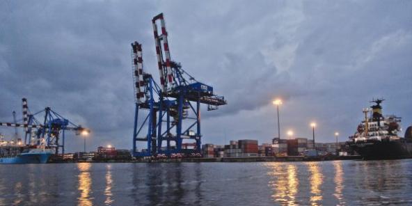 Le consortium Bolloré-APMT va investir 400 millions de dollars dans le terminal à conteneurs du port ivoirien.