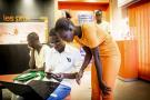 Désormais, un service d'une quinzaine de salariés reste en veille 24heures sur 24 sur les canaux numériques chez Orange Sénégal.