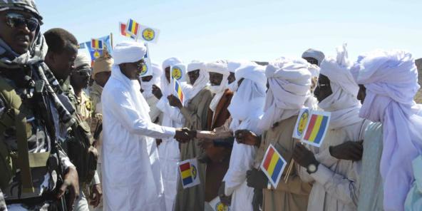 Le président tchadien Idriss Déby Itno à Yeribou, dans le Tibesti, le 2 mars 2020.