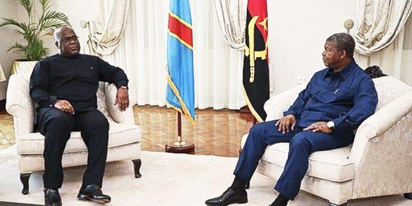 Félix Tshisekedi (à g.), le président congolais, et João Lourenço, son homologue angolais, le 5janvier.