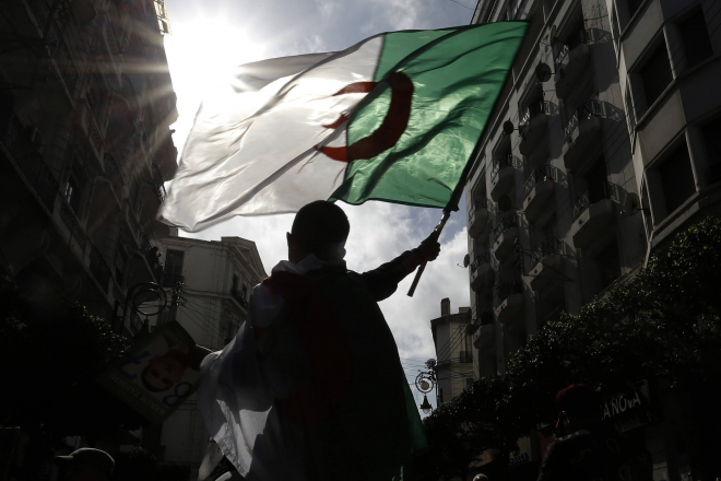 """""""Hirak en Algérie. L'invention d'un soulèvement"""", retour sur un an de mobilisation inédite"""