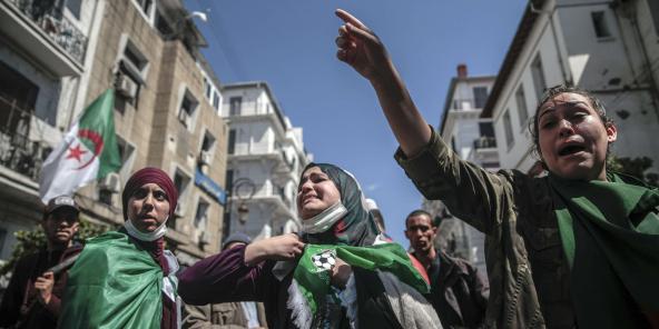 Des femmes manifestent à Alger, le 9 avril 2019.