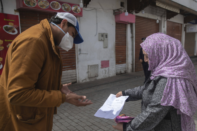 Coronavirus : au Maroc, les médecins devenus politiques appelés à remettre la blouse