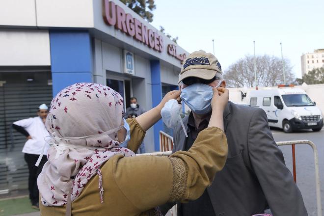 Coronavirus : en Algérie, la solidarité s'organise pour pallier aux faiblesses du système de santé