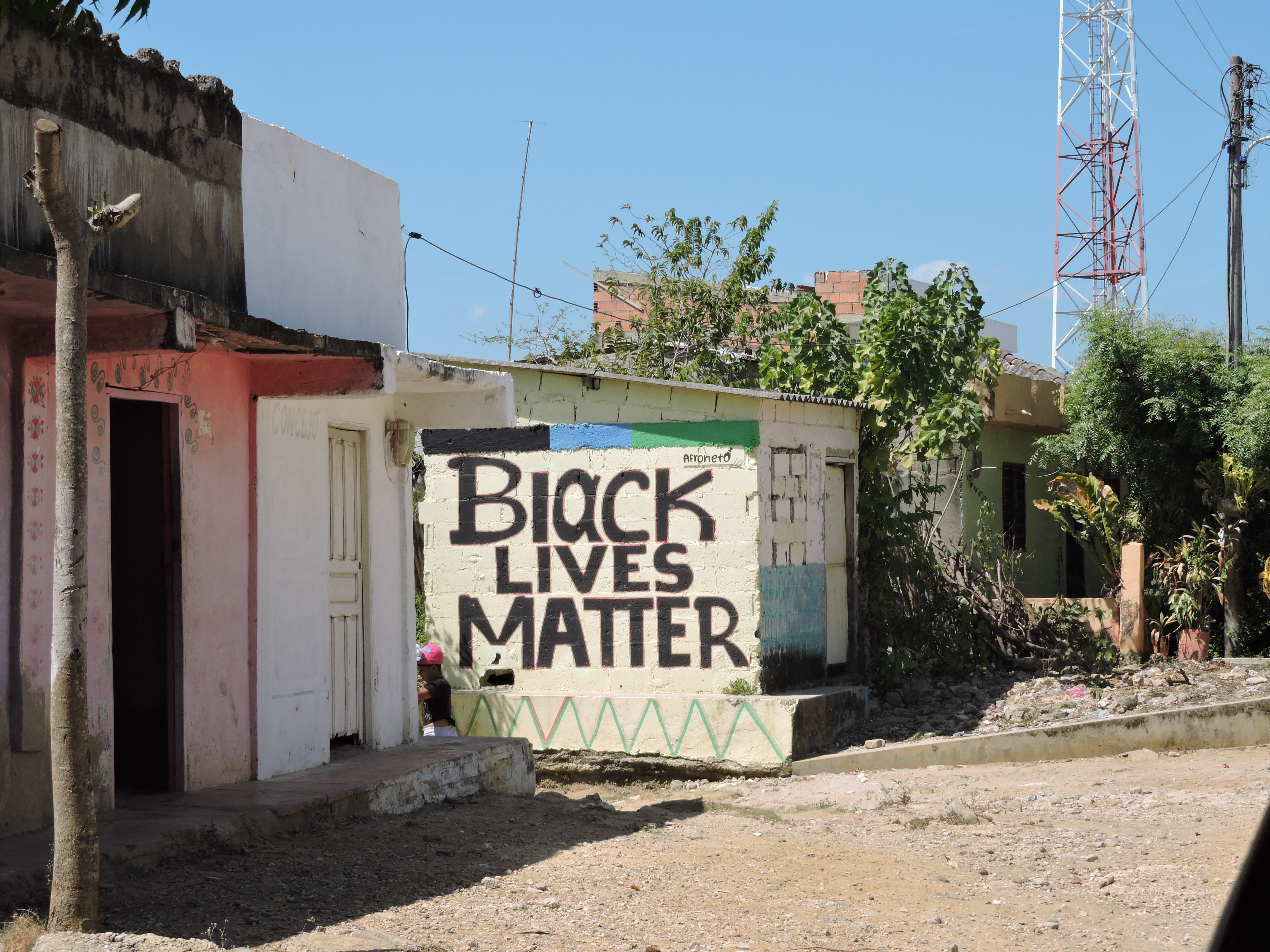 """""""Black Lives Matter"""", peint sur un mur de Palenque"""