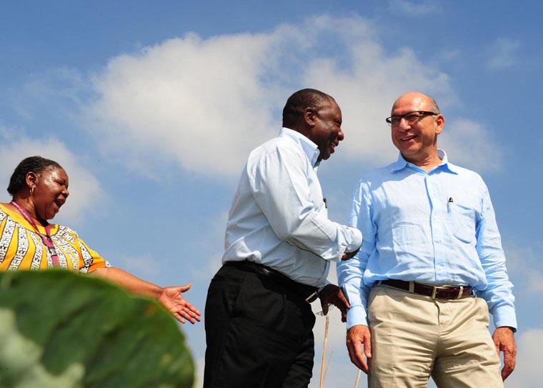 Trevor Manuel et Cyril Ramaphosa, alors respectivement président de la Commission nationale du Plan et vice-président de l'ANC, en février 2013.
