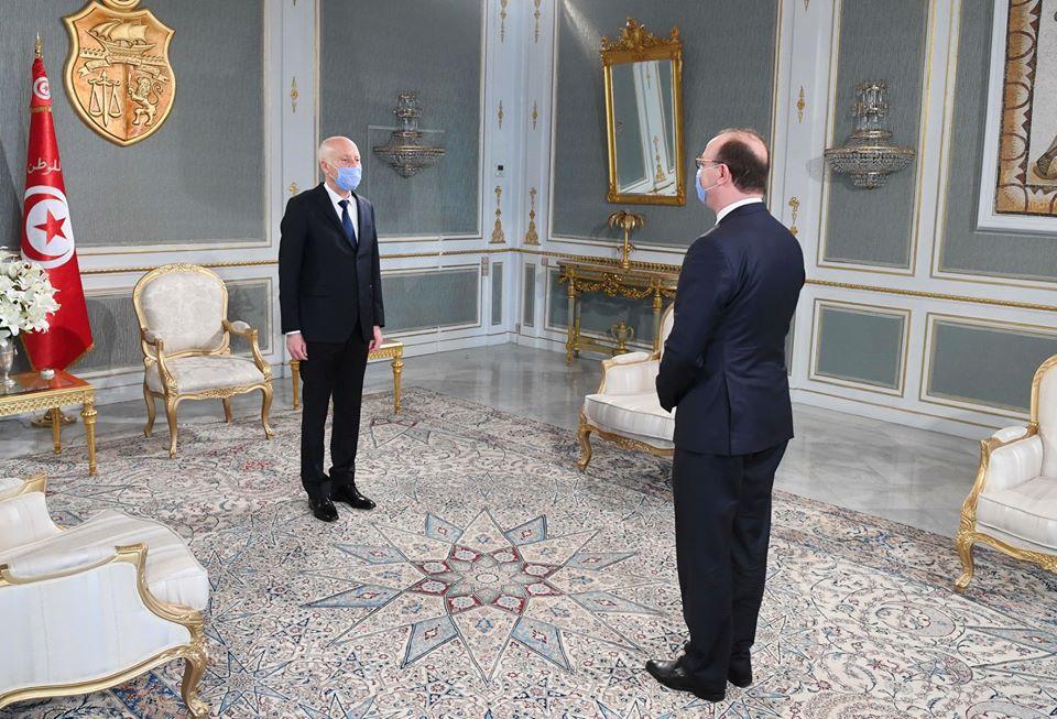 Le président tunisien Kaïs Saïed et le chef du gouvernement Elyes Fakhfakh, le 14 avril 2020.