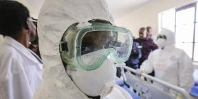 Des infirmières kényanes montrent à la presse leurs équipements face au Covid-19 au Kenyatta National Hospital de Nairobi, le 6 mars 2020.