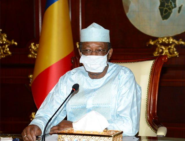 Idriss Déby Itno reçu les membres de la Cellule de Veille et de la sécurité sanitaire, le 14 avril 2020.