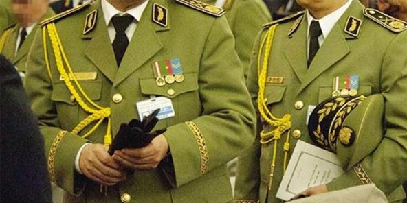 Des généraux algériens de la Direction de la documentation et de la sécurité extérieure (DDSE).