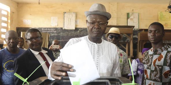 Agbéyomé Kodjo, le 22 février 2020, lors de l'élection présidentielle, à Lomé au Togo