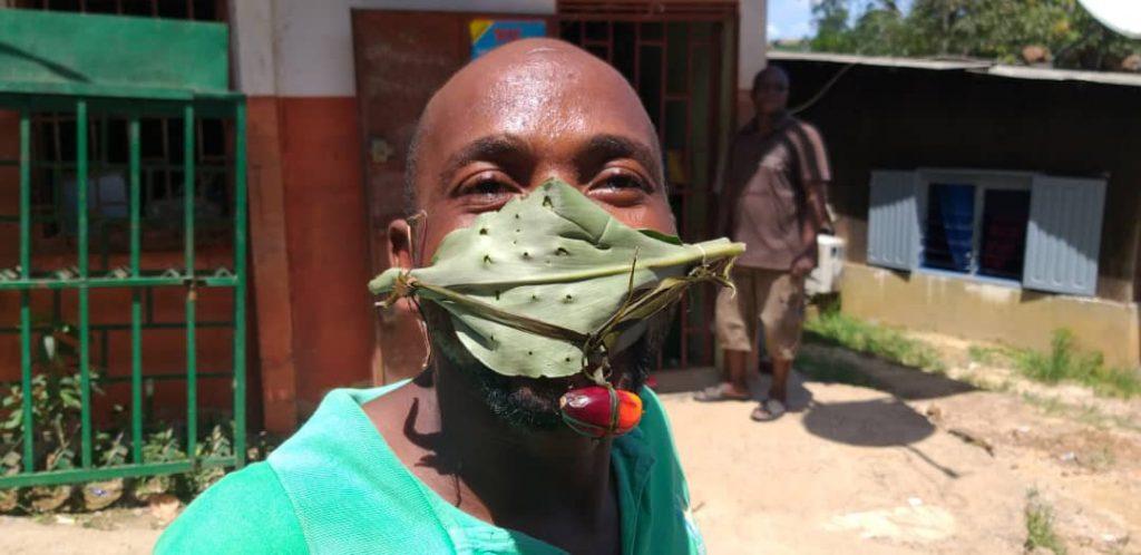 Dans le quartier de Bangos, à Libreville.