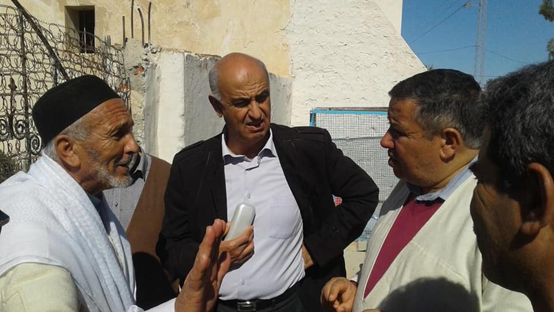 Houcine Jrad, maire de la commune de Houmt El Souk, sur l'île de Djerba (Tunisie), se mobilise pour faire lever le blocus.
