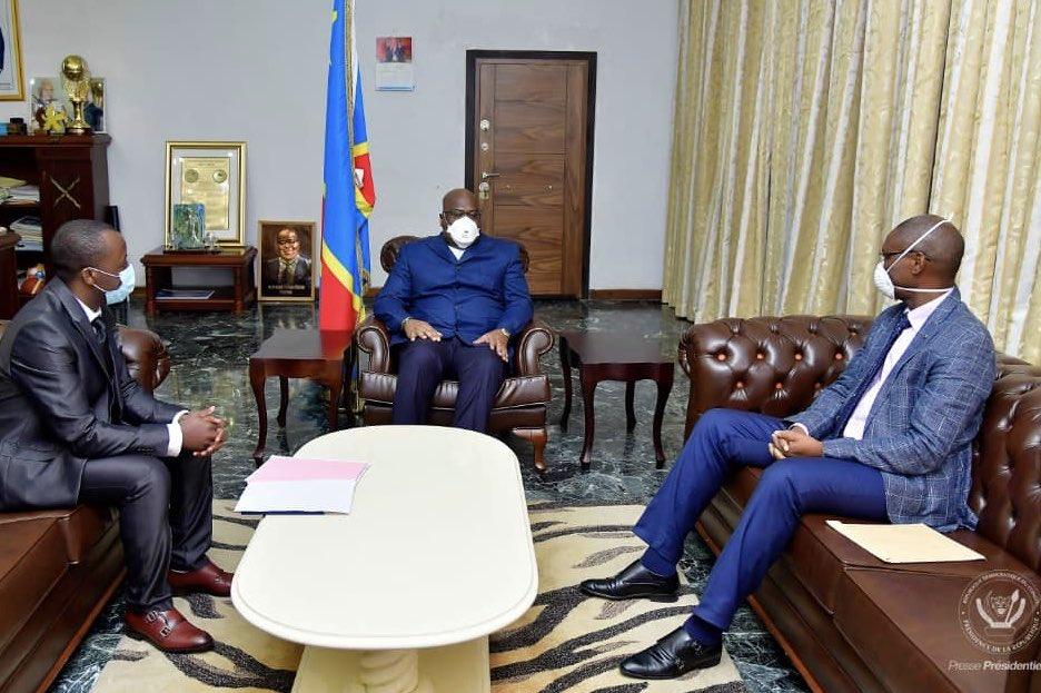 Jérôme Munyangi, le médecin pro-artemisia congolais (d.), lors de sa rencontre avec le président Félix Tshisekedi, le 12 mai 2020.