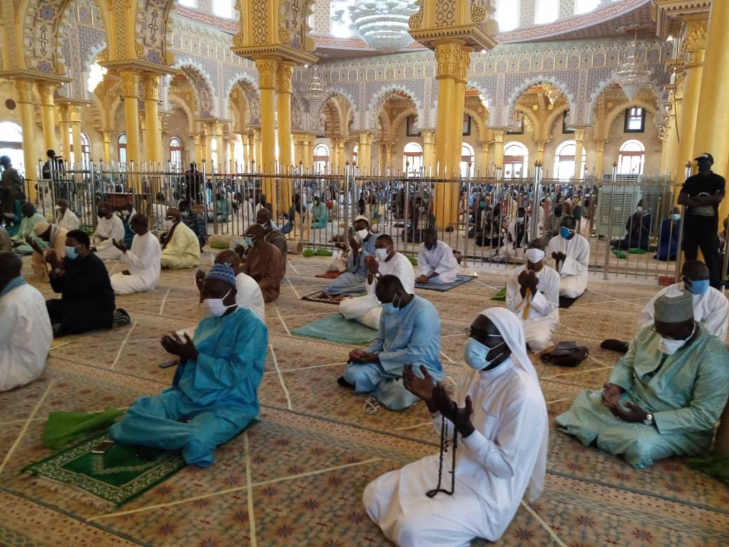 La mosquée Massalikoul Jinaan a rouvert ses portes aux fidèles ce vendredi 15 mai, après près de deux mois de fermeture, pour la grande prière du vendredi.