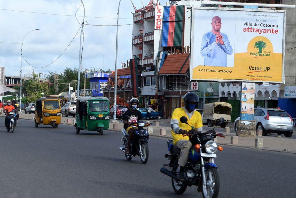 Affiche de campagne de Luc Atrokpo, élu sur la liste UP à Cotonou, en mai 2020.