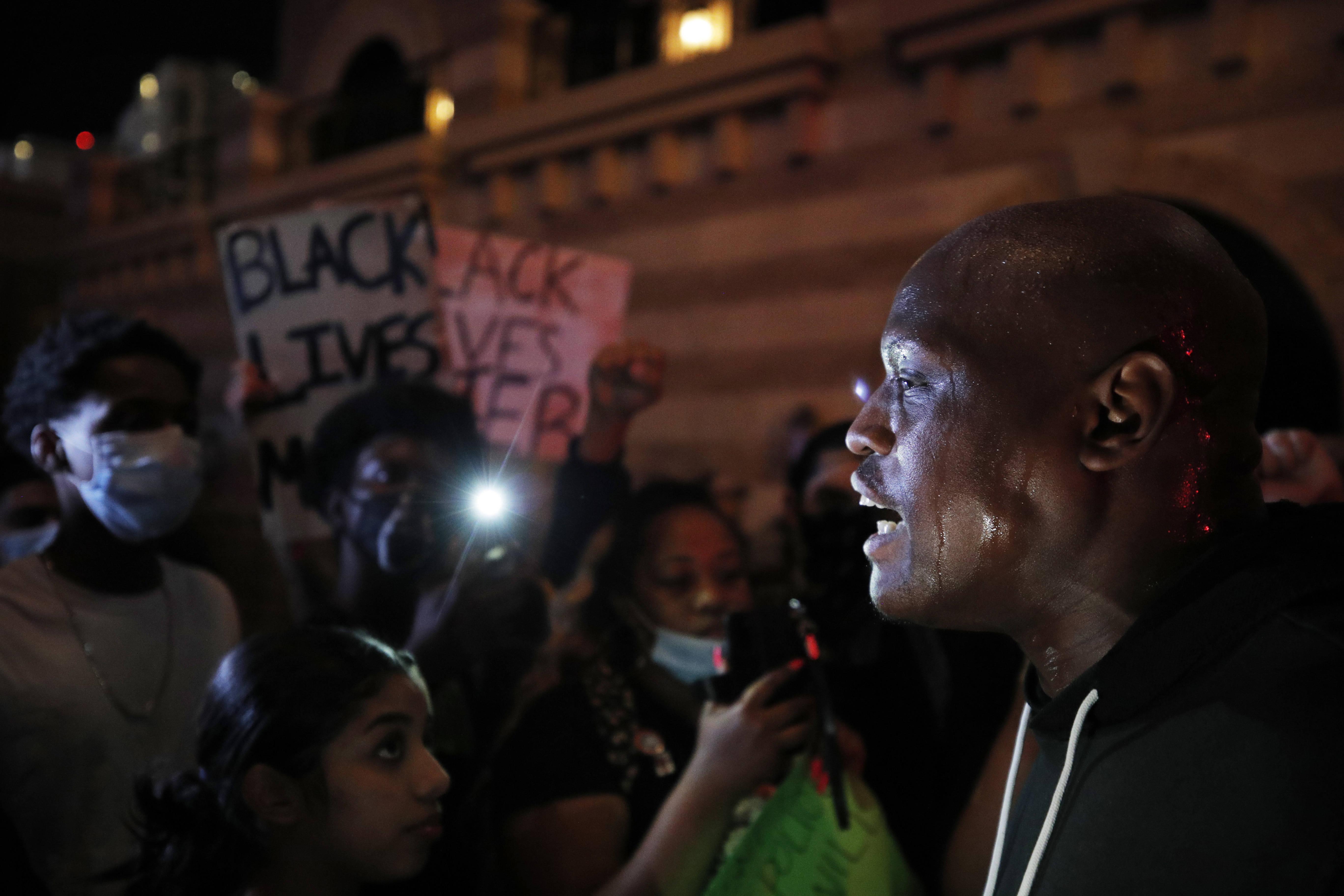 Des manifestants se sont réunis à Las Vegas, le 30 mai, après la mort de George Floyd.