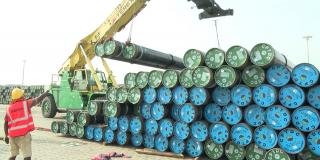 Ici, les premiers tuyaux réceptionnés a Cotonou, en février 2020.