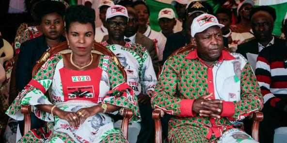 Evariste Ndayishimiye et son épouse Angélique Ndayubaha à Bujumbura, le 16 mai 2020.