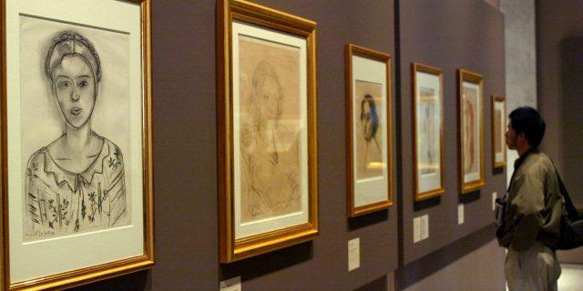 À l'exposition « De Delacroix à Matisse », qui a eu lieu dans le cadre de l'année de l'Algérie en France.