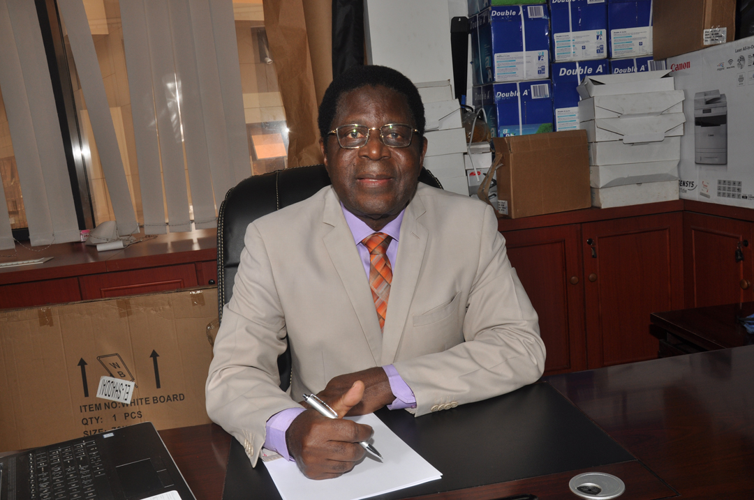 L'ancien ministre camerounais David Abouem À Tchoyi, 76ans, s'est reconverti depuis troisdécennies dans le conseil.