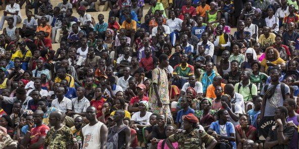 A Bossangoa, en novembre 2018, lors d'une opération de recrutement des Forces armées centrafricaines (FACA). L'Ouham, fief de Bozizé,est l'un des principaux réservoirs de voix que se disputent âprement les partis en vue de la présidentielle.