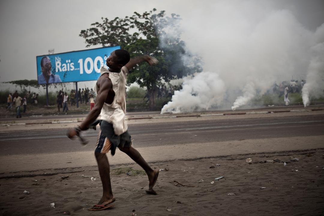 Autour de l'aéroport de Ndjili, où Etienne Tshisekedi est retenu par la police, le 26 novembre 2011.