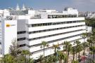 Au Maroc, Bank Al-Maghrib a enjoint aux banques de ne pas distribuer de dividendes. Ici, le siège d'Attijariwafa Bank, à Casablanca.