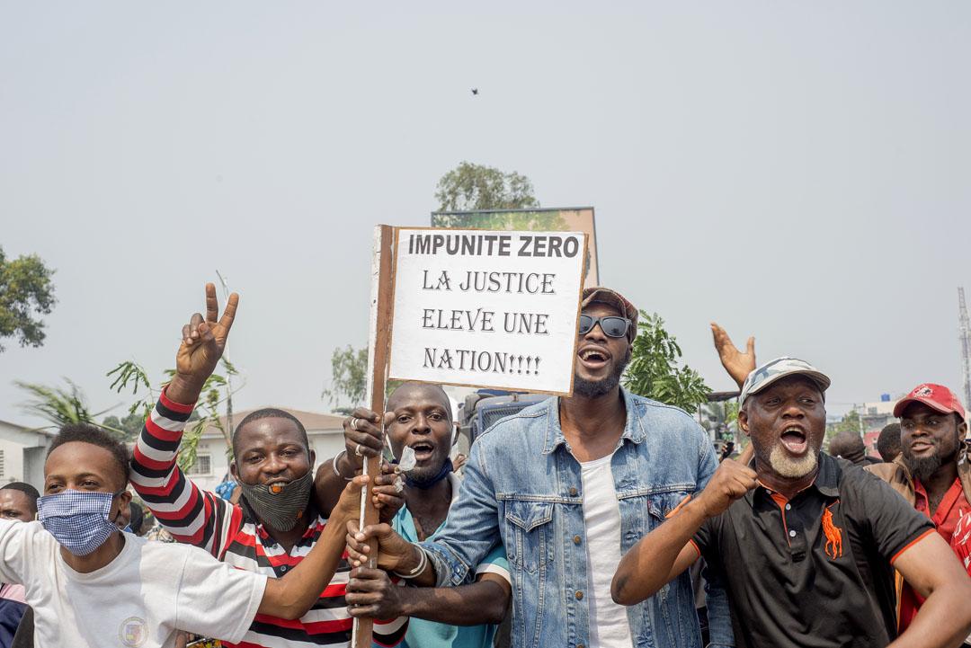 Des manifestants, à Kinshasa, le 24 juin 2020.