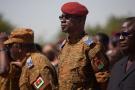 Gilbert Diendéré lors des funérailles des six casques bleus burkinabè tués le 2 juillet 2015 au Nord-Mali au cours d'une attaque terroriste.