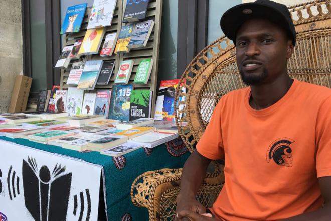 De Malcolm X à Dongala, la sélection panafricaine d'un libraire de rue cap-verdien de Saint-Denis