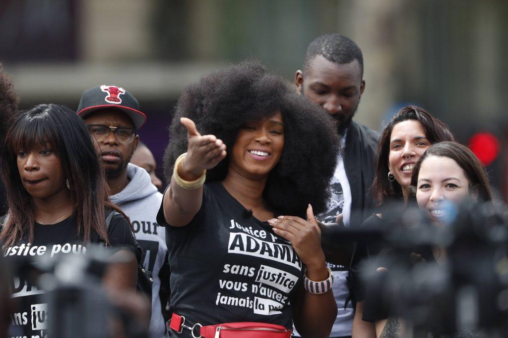 Assa Traoré, lors d'un rassemblement contre les violences policières à Paris, le 13 juin 2020.