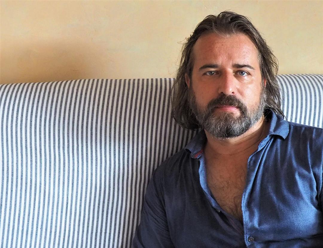 Julien Cohen-Lacassagne est professeur d'histoire-géographie au lycée international Alexandre-Dumas, à Alger.