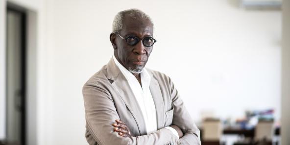 Mamadou Lamine Gueye, PDG de la Compagnie Senegalaise de transports Transatlantiques (CSTT-AO) à son domicile à Dakar.