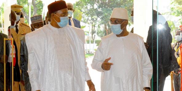 Mahamadou Issoufou et Ibrahim Boubacar Keïta, le 23 juillet 2020 à Bamako.