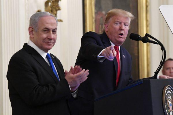 Donald Trump et Benyamin Netanyahou, à la Maison Blanche, le 28 janvier 2020.