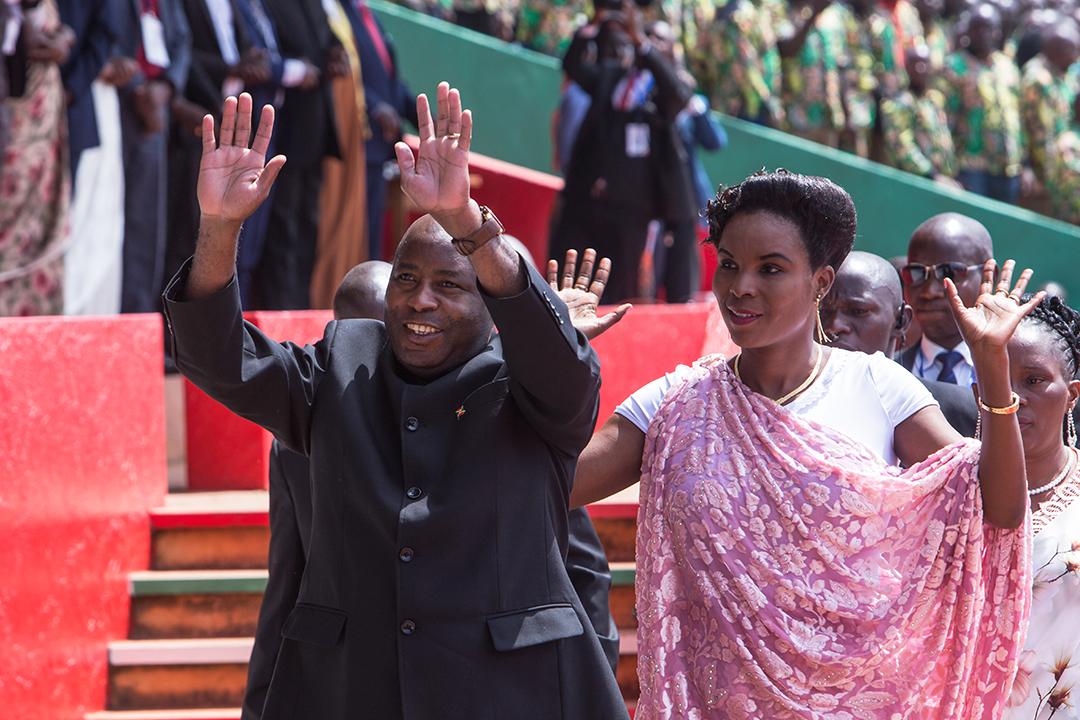 Le président burundais Évariste Ndayishimiye et la première dame Angélique Ndayubaha à Gitega, le 18 juin 2020.