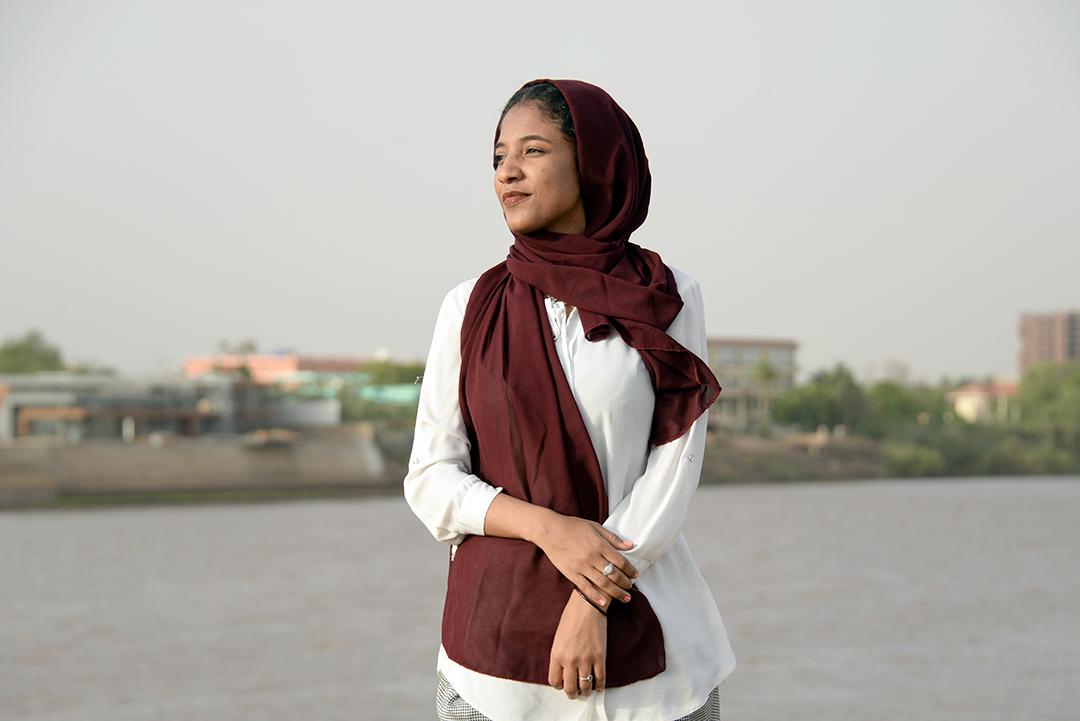 Alaa Salah, le 12 juin 2019 sur les bords du Nil Blanc, à Khartoum.