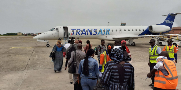 Appareil Transair sur le tarmac de Conakry, le 22 juillet 2019.