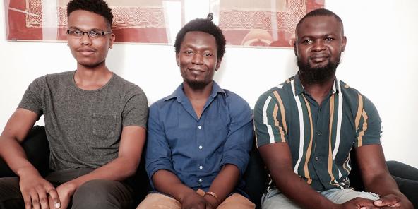 Les militants de l'UDC (de g. à dr.) Romain Catambara, Thibault Bao Abeldkader et Dihaoulou Bonelvy, le 4 août 2020, chez leur avocat Calvin Job