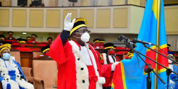Un magistrat prête serment, lors d'une cérémonie au Palais de la Nation en présence du chef de l'État, le 4 août 2020.