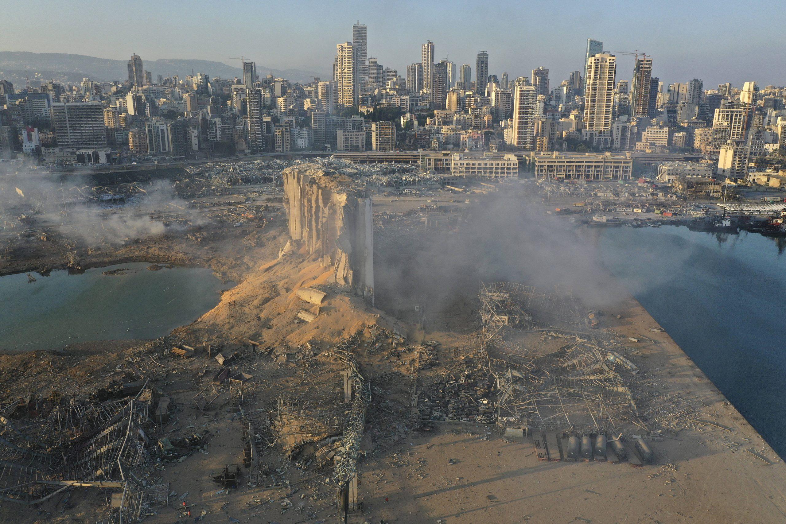Vue de Beyrouth le 5 août 2020, au lendemain des explosions survenues dans le port de la capitale.