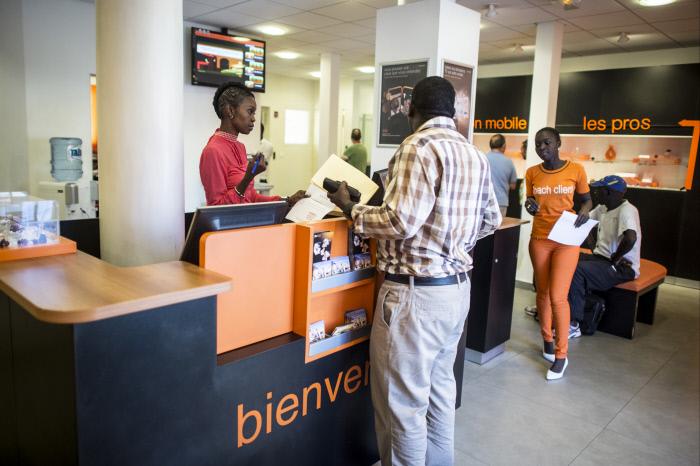 Dans une agence Orange, en 2013. de Dakar,