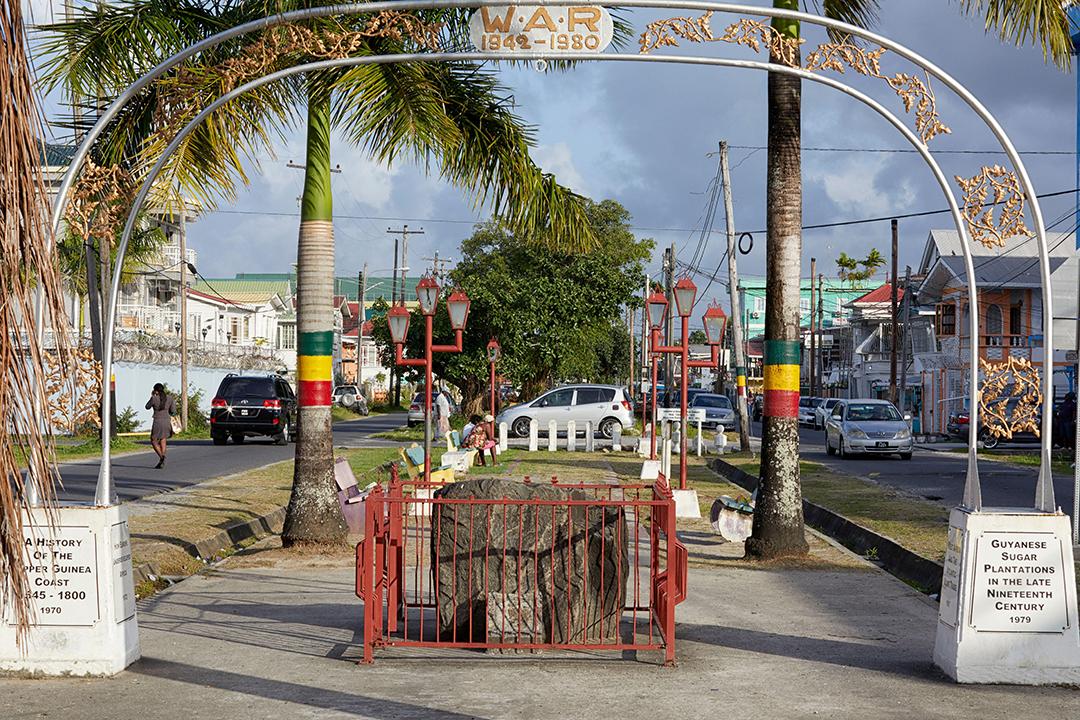 Le Mémorial Rodney Walter, à Georgetown, à Guyana.