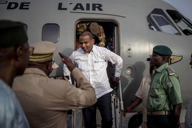 Mali : quand les Dan Na Ambassagou empêchent Boubou Cissé d'enterrer son beau-père
