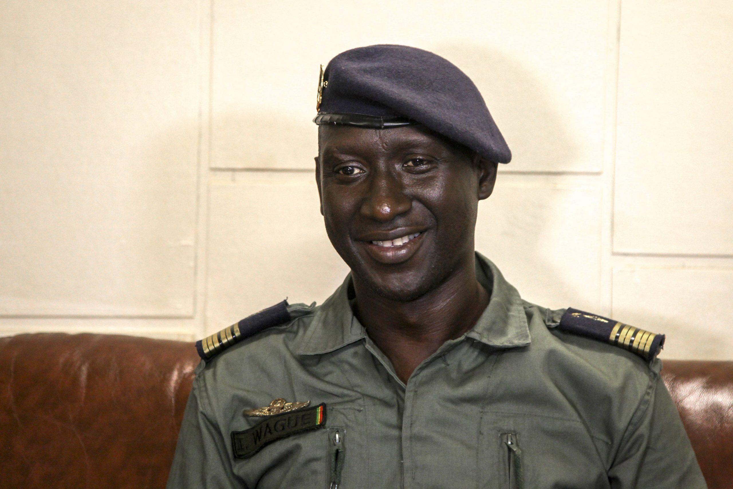 Le colonel-major Ismaël Wagué, porte-parole du CNSP, le 20 août 2020 au camp de Kati, à Bamako.