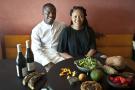 Elis et Vanessa du restaurant le Mi Kwabo, 42 rue Rodier, à Paris dans le 9e arrondissement, proposent une cuisine africaine renouvelée et extrêmement raffinée. Ici le 12 août 2020.