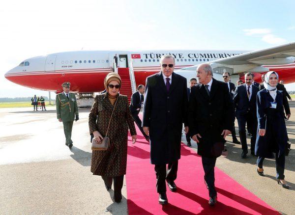 Le couple présidentiel turc accueilli par le chef de l'État algérien, Abdelmadjid Tebboune,le 26janvier 2020, à Alger.
