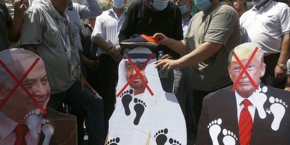 Manifestation contre la normalisation entre les EAU et Israël à Naplouse (Cisjordanie)