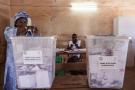 Dans un bureau de vote à Ouagadougou, lors du scrutin présidentiel du 29 novembre 2015.
